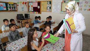 Ahıska Türkü çocukların ilk karne heyecanı