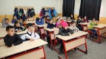 Erzincana Gelen Ahıska Türkü Çocuklara Türkçe Eğitimi