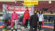 Elvira HASANOVA 43kg Yıldız Bayanlar  Turkiye Şampiyonu oldu