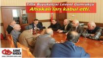 Tiflis Büyükelçisi Levent Gümrükçü Ahıskalı'ları kabul etti.
